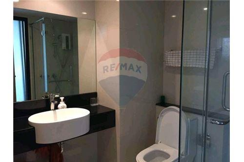 RE/MAX Executive Homes Agency's Cozy 1 Bedroom for Sale Le Cote Thonglor 8