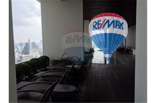 RE/MAX Properties Agency's FOR SALE  THE RIVER    2 BED 78SQM 32