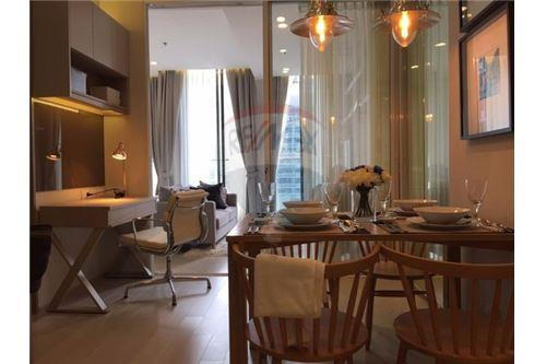RE/MAX Executive Homes Agency's Stunning 1 Bedroom for Rent Noble Phloenchit 3