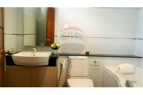 RE/MAX Properties Agency's UR thonglor soi 13 - condo for rent 8