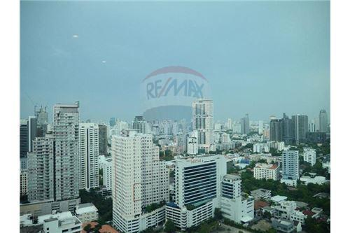 RE/MAX Properties Agency's Sale 3beds Duplex @Bright Sukhumvit 24 8