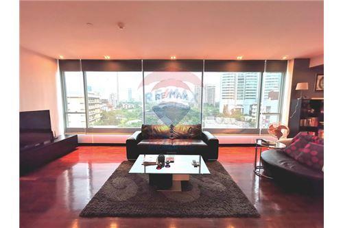 RE/MAX Properties Agency's For Sale Wilshire Condominium 2 Bedroom 15