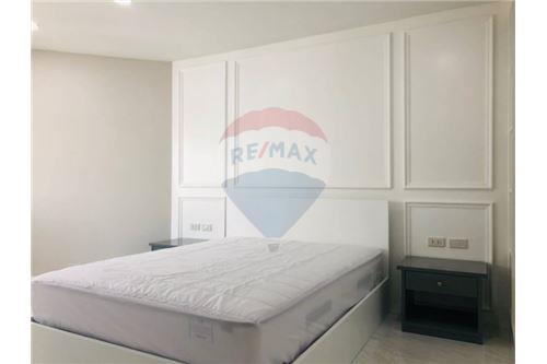 RE/MAX Executive Homes Agency's Condominium Sukhumvit soi 24 New Room !!! 9