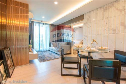 RE/MAX Executive Homes Agency's FQ - Vtara 2 Bed 2 Bath - Top Floor 11