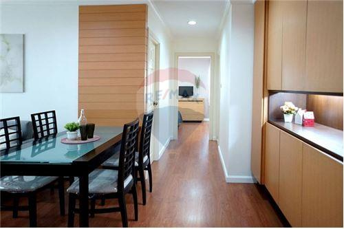 RE/MAX Executive Homes Agency's Lovely 2 Bedroom for Rent Lumphini Suite 41 5