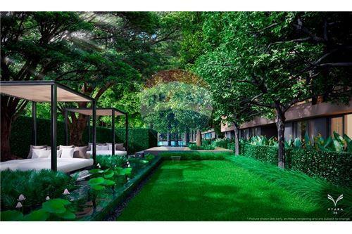 RE/MAX Executive Homes Agency's FQ - Vtara 2 Bed 2 Bath - Top Floor 5