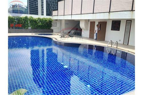 RE/MAX Properties Agency's FOR SALE RENOVA RESIDENCE CHIDLOM  2BED 105SQM 22