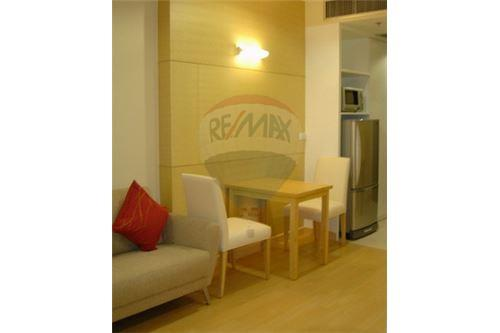RE/MAX Properties Agency's Rent The Platinum 1bedroom for rent 7