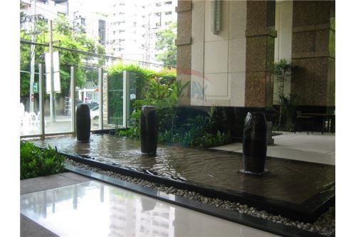 RE/MAX Properties Agency's Condominium For Sale At Baan Siri 24, Khlong Toei, Bangkok 3