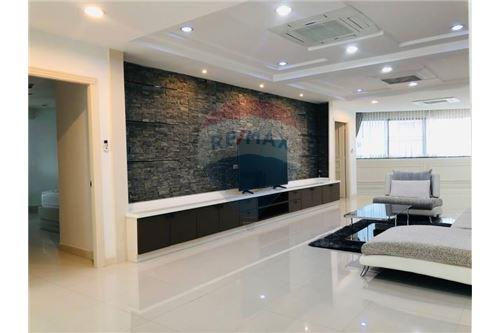 RE/MAX Executive Homes Agency's Wow Nice Room President park soi 24 New  !!! 7