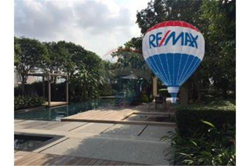 RE/MAX Properties Agency's FOR SALE  THE RIVER    2 BED 78SQM 23