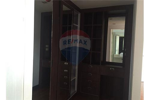 RE/MAX Executive Homes Agency's Spacious 3 Bedroom for Sale Le Nice Ekamai 3