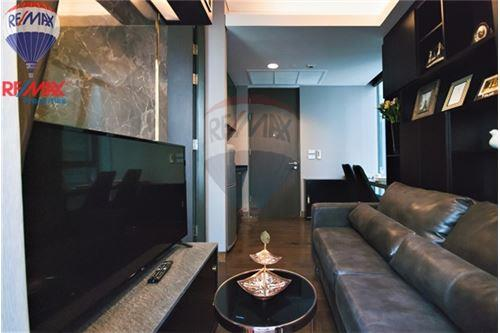 RE/MAX Properties Agency's FOR RENT The Lumpini 24 1BED 30SQM. 2