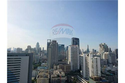RE/MAX Properties Agency's Sale 1bed high floor Ashton Asoke 12