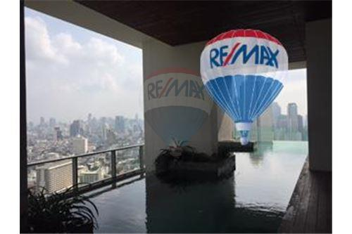RE/MAX Properties Agency's FOR SALE  THE RIVER    2 BED 78SQM 29