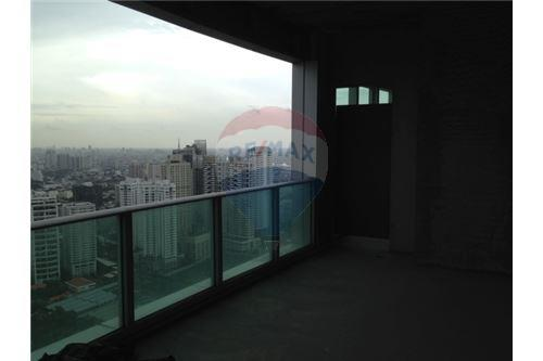 RE/MAX Properties Agency's Millennium residence penthouse for sell! 6