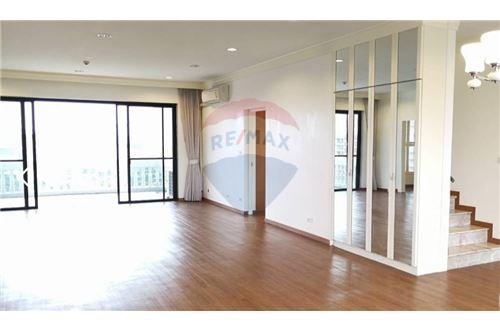 RE/MAX Executive Homes Agency's Apartment 4 Bedroom For Rent On Sukhumvit 49 2