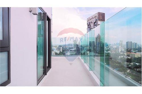 RE/MAX Properties Agency's Rhythm Sukhumvit 36-38 2 BED 88 Sqm. 13