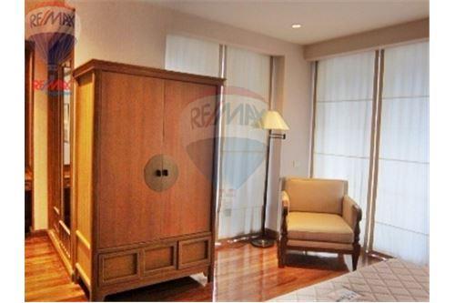 RE/MAX Properties Agency's Langsuan ville - Condos for rent , Bangkok 2