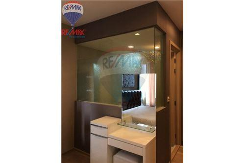 RE/MAX Properties Agency's FOR RENT Siri at Sukhumvit 1BED 52SQM. 2