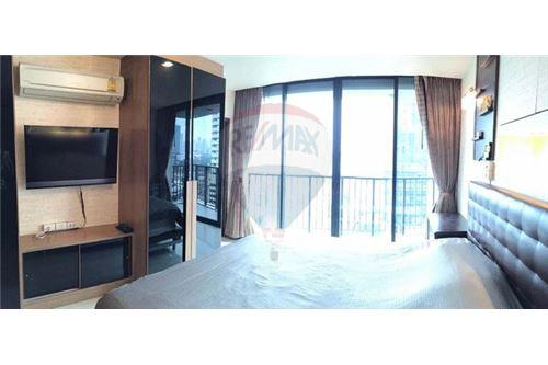 RE/MAX Executive Homes Agency's Beautiful 2 Bedroom for Sale Alcove Thonglor 3
