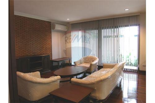 RE/MAX Executive Homes Agency's Single House with Big Garden in Thonglor 3