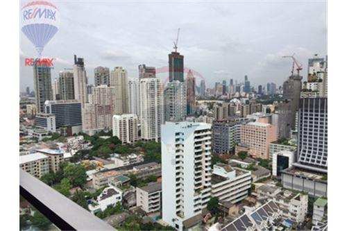 RE/MAX Properties Agency's FOR SALE  THE ADDRESS SUKHUMVIT 28  2BED 70SQM 3
