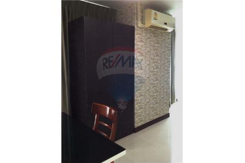 RE/MAX Executive Homes Agency's Sukhumvit Living Town - Condominium for rent 3