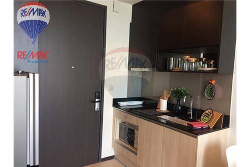 RE/MAX Properties Agency's RENT Edge Sukhumvit 23 1BED 32SQM. 7