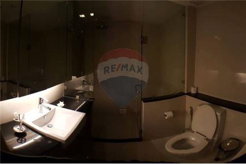RE/MAX Executive Homes Agency's Spacious 1 Bedroom for Rent O2 Hip Condo 7