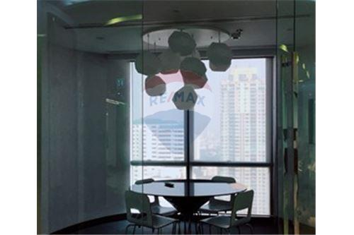RE/MAX Properties Agency's PS Tower Penthouse Office 635.70SQM. 6