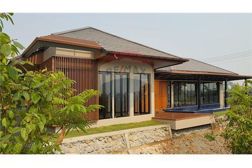 "RE/MAX Executive Homes Agency's ""Baan Bangkok""  7.75M in Baan Melanie plot K-5A 1"