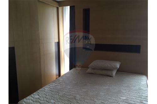 RE/MAX Properties Agency's Rent 2bedroom@ Quad Silom 5