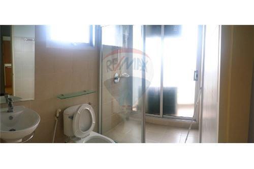 RE/MAX Executive Homes Agency's Nice 2 Bedroom for Sale Supalai Ekamai Thonglor 4