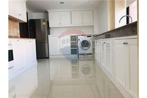 RE/MAX Executive Homes Agency's Wow Nice Room President park soi 24 New  !!! 19