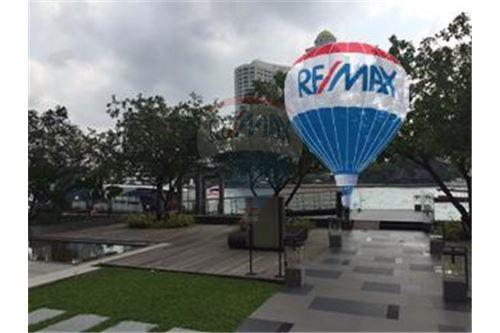 RE/MAX Properties Agency's FOR SALE  THE RIVER    2 BED 78SQM 42