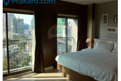 RE/MAX Executive Homes Agency's Spacious Studio type Bedroom for Rent Noble Remix 4