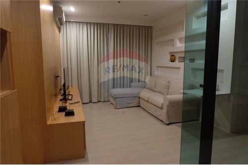 RE/MAX Executive Homes Agency's Nice 2 Bedroom for Sale Niche Pride Thonglor 1