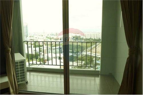 RE/MAX Executive Homes Agency's Spacious 2 Bedroom for Rent Belle Grand Rama 9 5