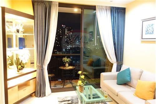 RE/MAX Properties Agency's FOR RENT AGUSTON SUKHUMVIT 22 1 BED 55 SQM 1