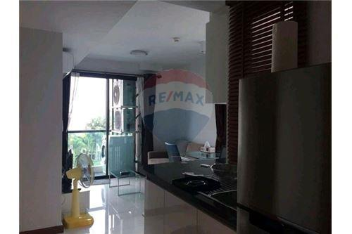 RE/MAX Executive Homes Agency's Cozy 1 Bedroom for Sale Le Cote Thonglor 5