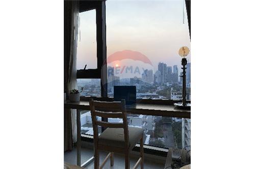 RE/MAX Properties Agency's SALE Rhythm Sukhumvit 36-38 1BED 33SQM. 14