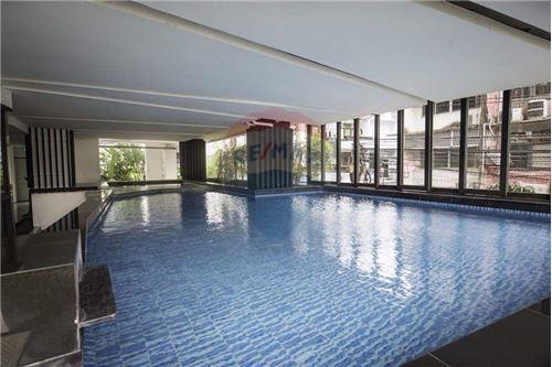 RE/MAX Executive Homes Agency's Nice 1 Bedroom Duplex for Rent Bangkok Feliz 6