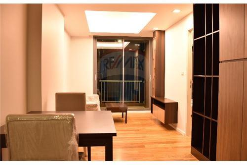 RE/MAX Executive Homes Agency's Spacious 1 Bedroom for Sale Focus Phloenchit 1