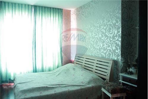 RE/MAX Executive Homes Agency's Wilshire Sukhumvit 22 Phrompong Condo 2 Bedrooms 6