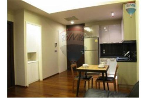 RE/MAX Properties Agency's GM Tower Apartment for Rent, Bangkok 2