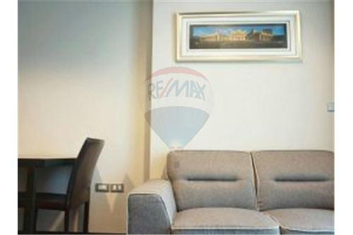 RE/MAX Properties Agency's FOR SALE 15 Sukhumvit Residences 1BED 59.29SQM. 5