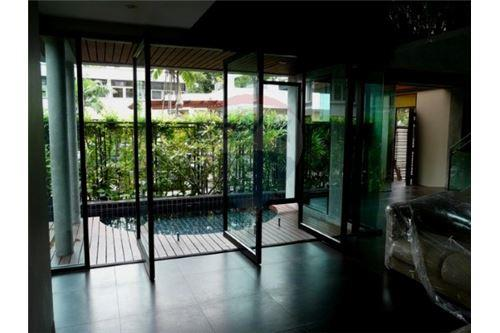 RE/MAX Executive Homes Agency's Modern luxury boutique home in  Thonglor 2