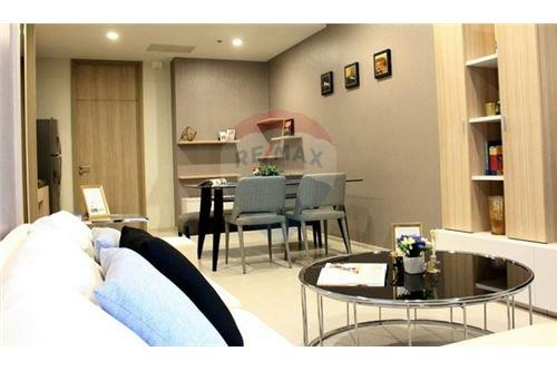 RE/MAX Executive Homes Agency's Spacious 1 Bedroom for Rent Noble Phloenchit 2