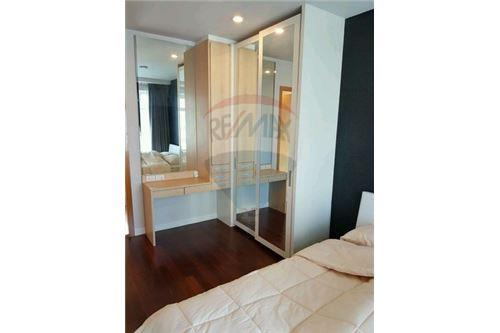 RE/MAX Executive Homes Agency's Nice 2 Bedroom for Sale Circle Petchburi 5
